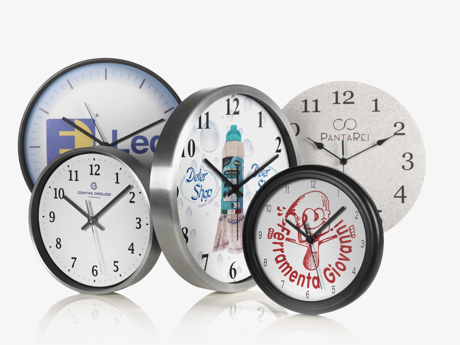 Customized wall clock with your brand for the next business gift
