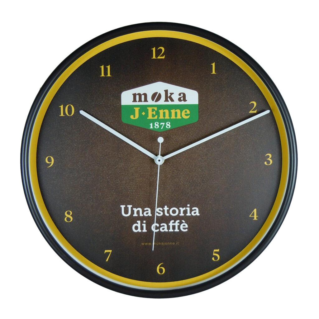 orologio promozionale da parete con quadrante personalizzato nero realizzato per una torrefazione